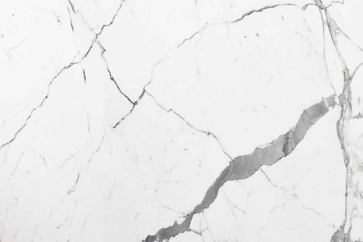 marmo statuario Carrara con venature grigio